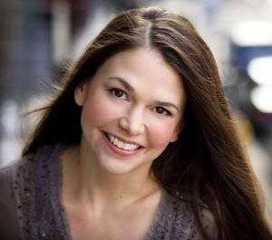 Tony Award wining actress Sutton Foster. Photo credit: http://alanbaltes.wordpress.com/tag/sutton-foster/